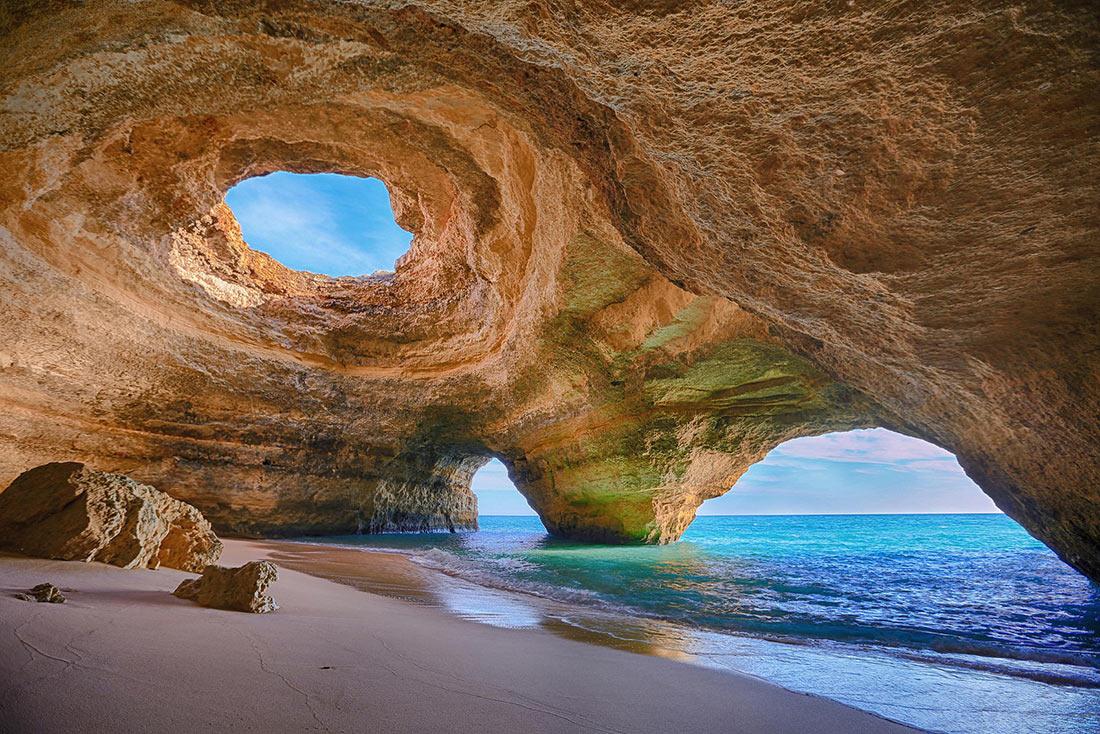 Печера Бенагіл