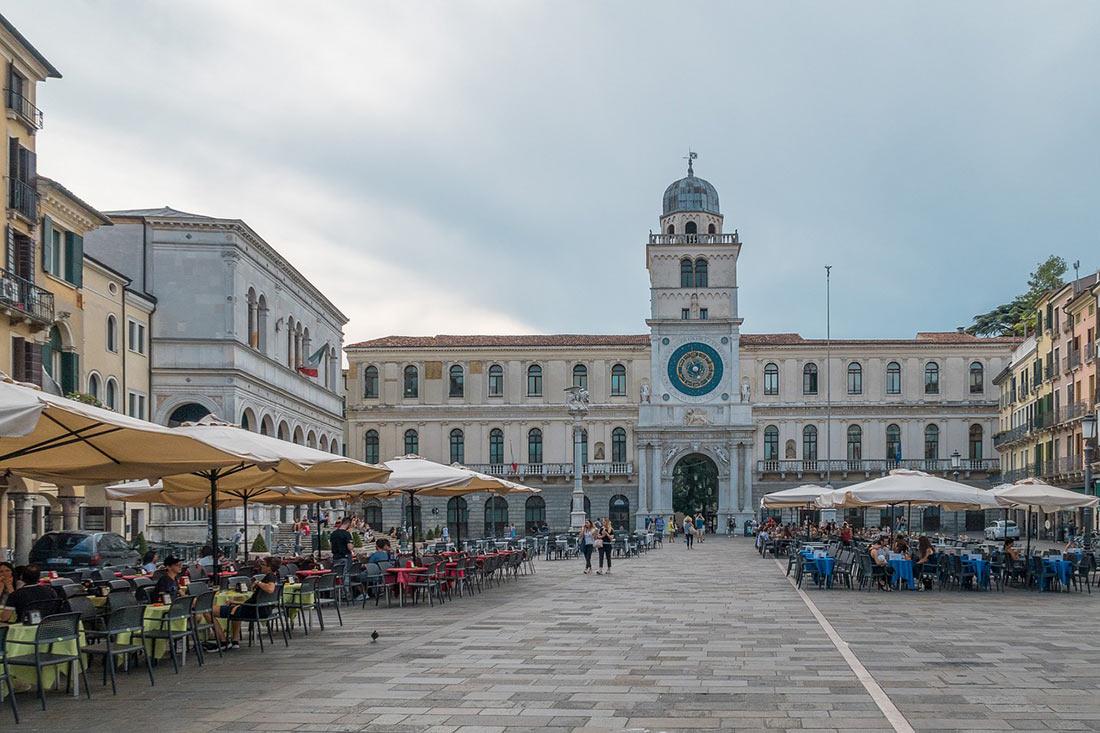 Площа Пьяцца деї Синьйорі