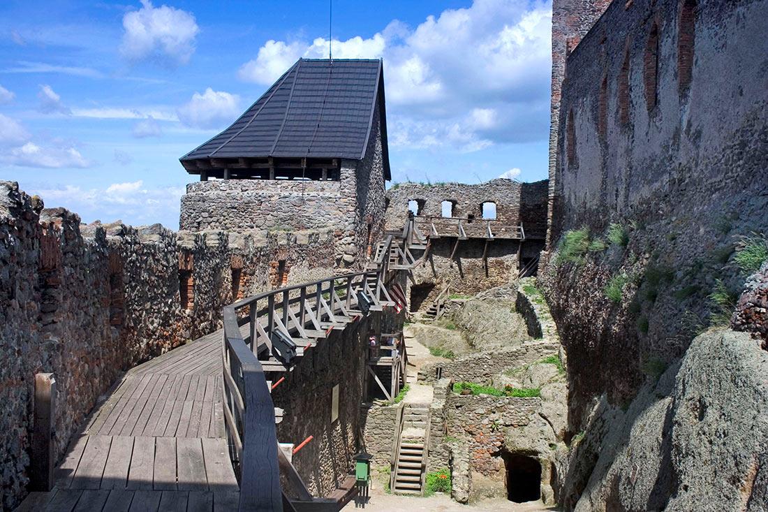 Болдогкевський замок