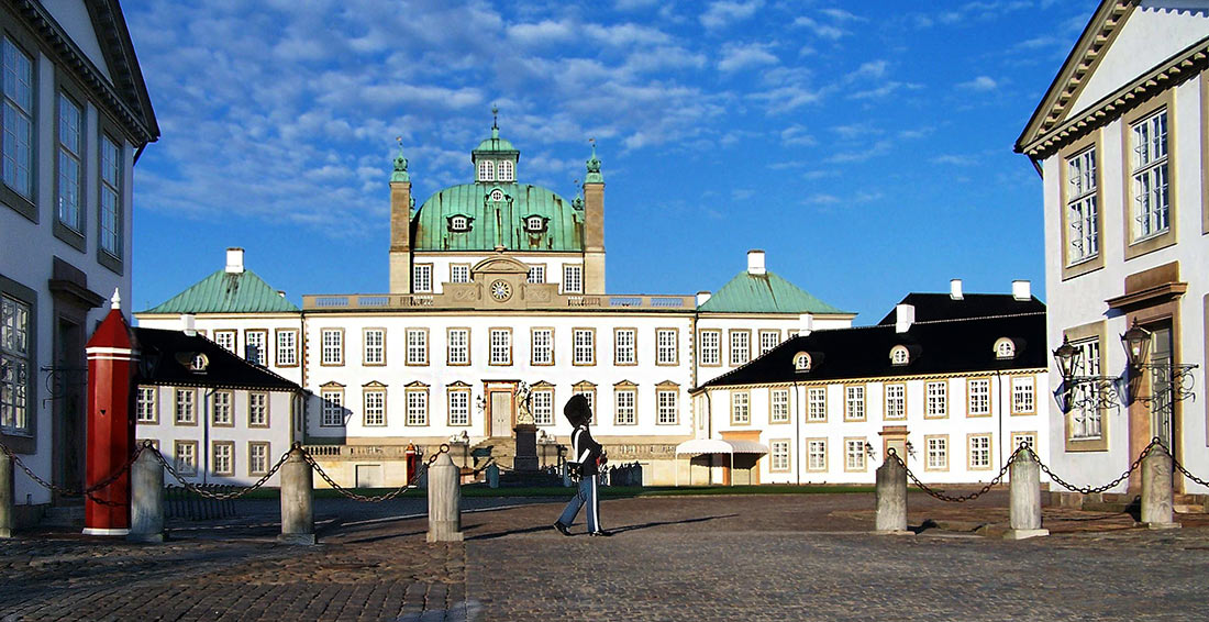 Замок Фреденсборг