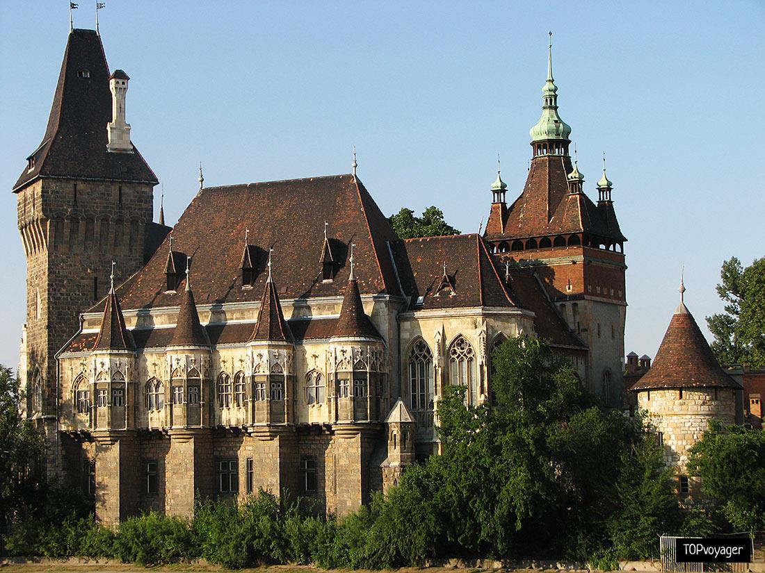Замок Вайдагуньяд у Будапешті