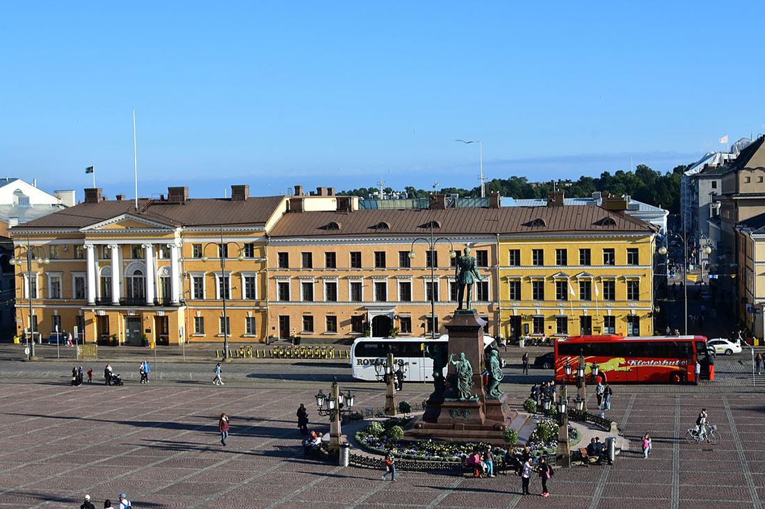 Сенатська площа
